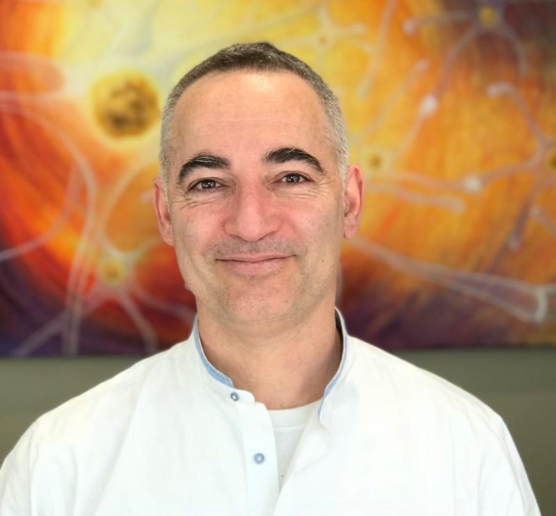 Dr. David Vinyes