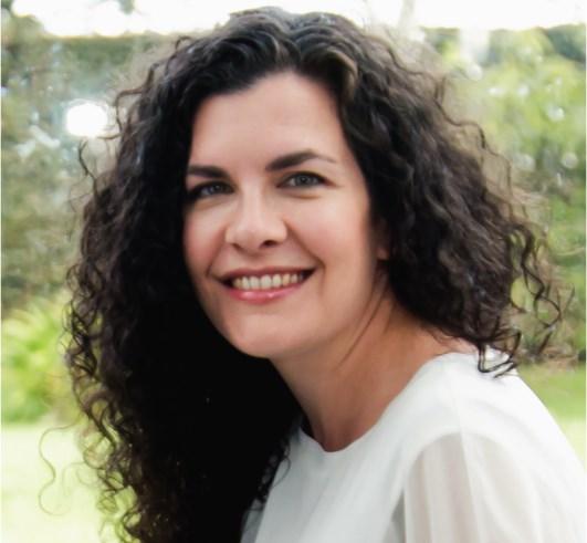 Dra. Esther Martínez García
